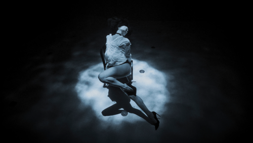 The Underwater Tango of Ariadne Aves (Video)
